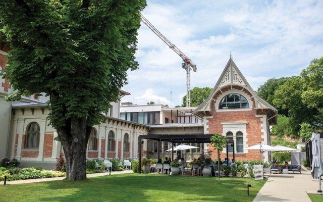 Früher Vereinshaus des Bürgerlichen Schützenvereins zu Buda heute Restaurant in Budapest