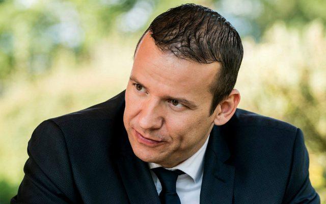 László Toroczkai kritisiert Facebook.